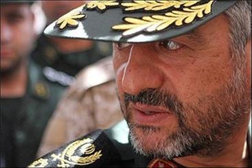 اللواء جعفري : 2000 كتيبة على استعداد للدفاع عن الثورة الاسلامية