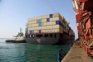 تردد خطوط کشتیرانی بزرگ دنیا در بنادر ایران/محدودیتی در پذیرش کشتیها نداریم