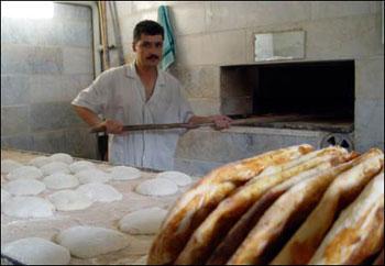 مهمترین مشکل نانوایان رامیان سهیمه آرد است