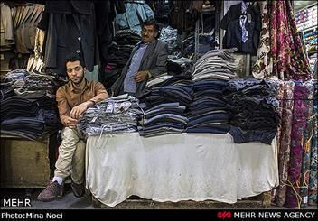 پدر و پسری از کسبه بازار تبریز