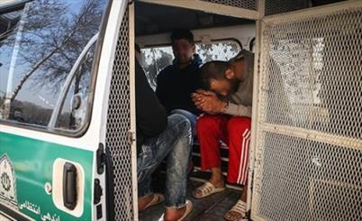 دستگیری 18 خرده فروش مواد مخدر و پلمپ 8 منزل مسکونی در قم