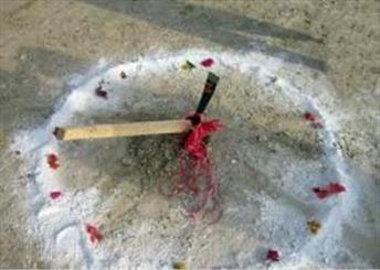 کلنگ حوزه علمیه خواهران آشتیان به زمین زده شد