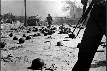 15 حمله هوایی دشمن به نهاوند و صحنه هایی که فراموش نمی شود/سندی که به امضای 850 شهید رسید