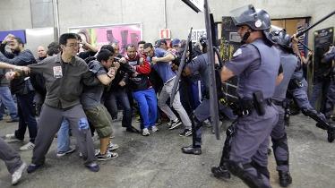 تظاهرات در سائوپائولو برزیل به خشونت کشیده شد