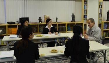 دانشجويان ژاپني درباره ايران و انقلاب اسلامی تحقيق ميكنند