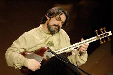 کنسرت استاد حسین علیزاده و گروه همآوایان در گرگان