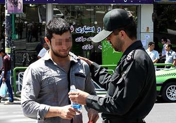 برخورد نیروی انتظامی پلدختر با روزهخواری در ملأعام