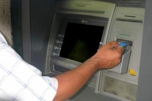 دردسرهای سرقت با کارت بانکی/ روایت یک مال باخته