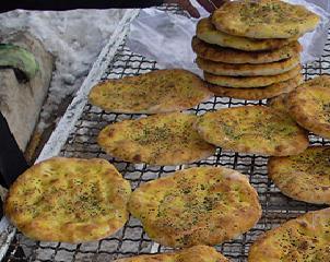 """آداب و رسوم چهارمحالی ها در ماه مبارک رمضان/ ازپختن نان """"کاکولی"""" تا  پختن آش های محلی"""