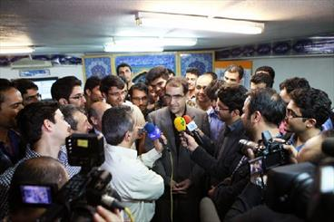 بازدید وزیر بهداشت از خوابگاه دانشجویی/ اصلاح طرح  مجلس در خصوص آزمون دستیاری
