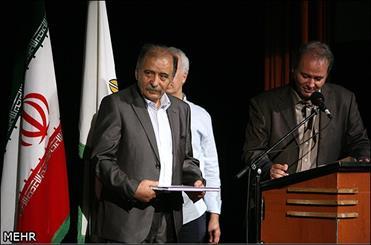 «وثوق احمدی» به بقای نقاشی آبرنگ کمک کرد/ راز تابلوهای دیده نشده «هزار و یک شب»