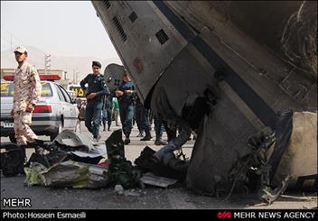 خلبان هواپیمای سقوط کرده ایرانی بود نه اوکراینی