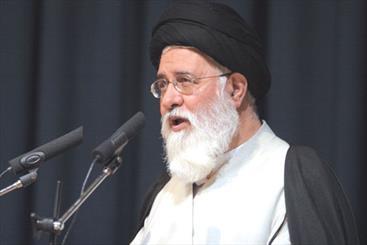 توسعه رفاه مورد تأیید اسلام نیست/ ارجحیت رضایت عموم مردم بر رضایت نخبگان