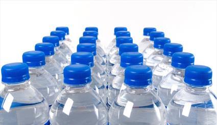 بیش از هفت هزار بطری آب معدنی در اصفهان معدوم شد