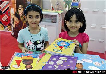 كودك و خانواده ايرانی به كالای فرهنگی ايرانی نیاز دارد