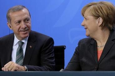 Erdogan Seeks Meeting With Merkel After Macron's Cold Shoulder