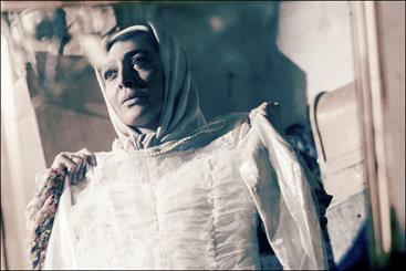 «خداحافظی طولانی» همچنان در قلعه حسنخان/ آلبوم فیلم را ورق بزنید