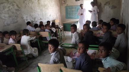"""مدارس سیستان و بلوچستان و واژه غریب """"امکانات""""/ دانشآموزانی که برای تحصیل جان ندارند"""