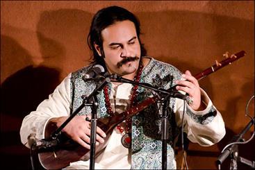 مقابله با مصادره شدن نام مولانا/ خواننده موسیقی مقامی به قونیه میرود