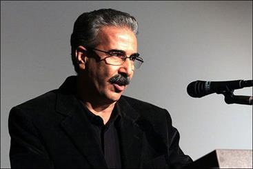 تجلیل از مدیرمسئول مجله «فیلم» در جشن جایزه کتاب سال سینما