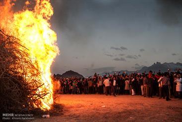 Kerman holds biggest Zoroastrian Sadeh Festival