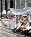 تحصن مقابل وزارت نفت