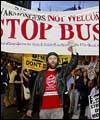 تظاهرات گسترده مخالفان جنگ افروزی بوش در واشنگتن
