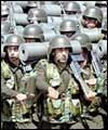 امريكہ اور برطانيہ عراق سے بڑے پيمانے پر اپنے فوجيوں كو نكالنے كي فكر ميں ہيں
