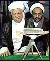 اعضاء مجلس خبراء القيادة يجددون العهد مع اهداف الامام الخميني (رض)
