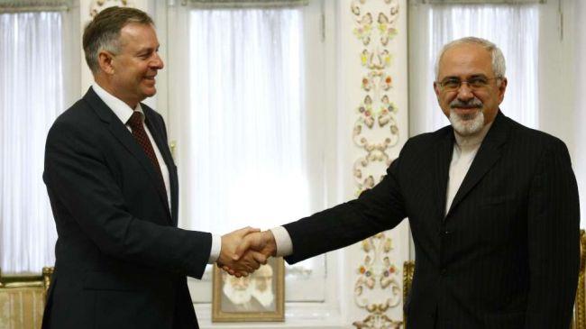 World must work together against extremism: Zarif
