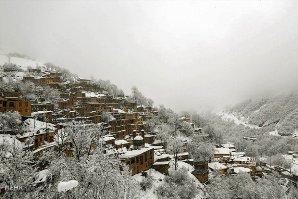 """تقرير مصور عن هطول الثلج في مدينة """"ماسولة"""" شمالي ايران"""