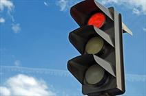انتقاد به مشکلات چراغ های راهنمایی و رانندگی/ کاری کنید به ثانیه شمارها اعتماد کنیم