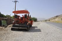 ماشین آلات راه سازی در جوار شهر تاریخی بیشاپور/ راه و شهرسازی: جاده فقط ترمیم می شود