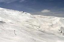 بارش شدید برف پیست بین المللی اسکی دیزین را تعطیل کرد