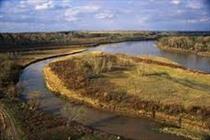 رفع تصرف بیش از ۱۰۰۰ مترمربع اراضی حریم رودخانهها در مریوان
