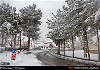 بارش برف لرستان را سفید پوش کرد/ افت محسوس دما