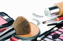 استفاده کمتر از مواد آرایشی بهترین راه زیبایی و شادابی پوست است