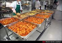 طبخ روزانه ۱۵۱ هزار پرس غذا در آشپزخانه های مکه و مدینه