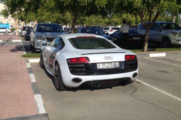 دانشگاه دبی خودرو لوکس خودرو گرانقیمت