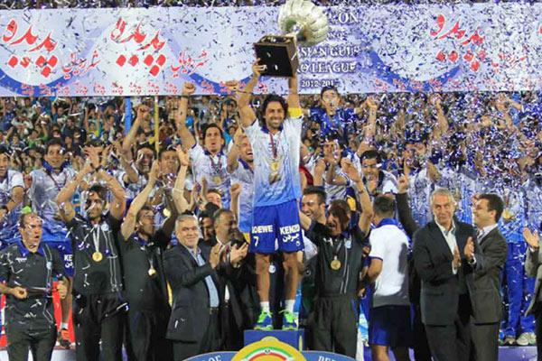 IMG23005372 - پرسپولیس بهترین تیم تاریخ، سپاهان برترین تیم لیگ/ یک آبی در صدر