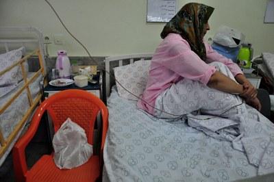 زن سرطانی بیمارستان مریض