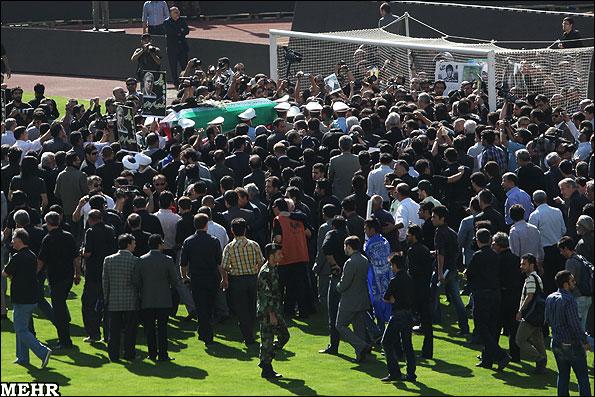 گزارش تصویری تشییع پیکر زنده یاد ناصر حجازی 1-Www.FarsiMode.Com
