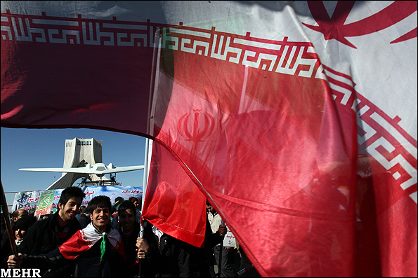 راهپیمایی یوم الله 22 بهمن در تهران | Www.FarsiMode.Com